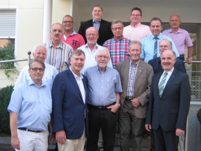 In der ersten Reihe v.l.n.r.: Engelbert Felk, Rolf Deissler, Hajo Bergmann, Hans Boes u. Richard Horn